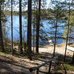 Upea näkymä mökiltä järvenrantaan